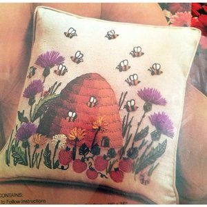 Avon The Bee Garden Crewel Embroidery Pillow Kit